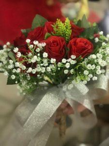 Ket-hoa-cuoi-02-225x300 Kết hoa cưới cầm tay cô dâu