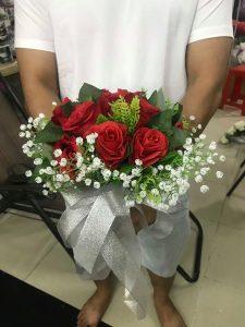 Ket-hoa-cuoi-10-225x300 Kết hoa cưới cầm tay cô dâu