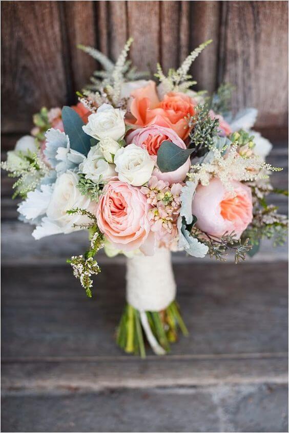 Ket-hoa-cuoi-11 Kết hoa cưới cầm tay cô dâu