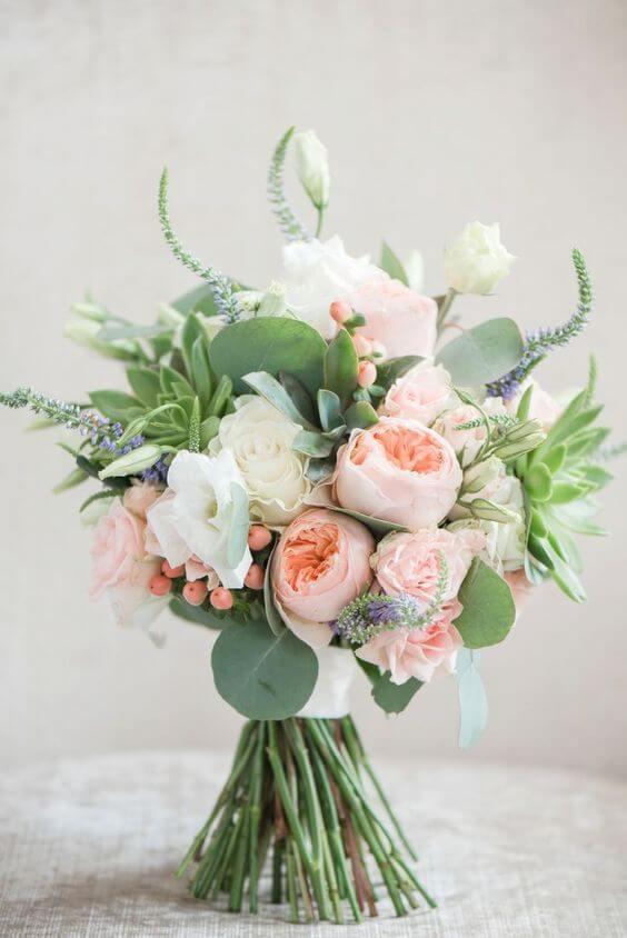 Ket-hoa-cuoi-12 Kết hoa cưới cầm tay cô dâu
