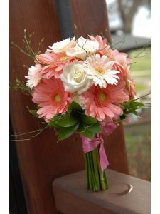 Ket-hoa-cuoi-16-225x300 Kết hoa cưới cầm tay cô dâu