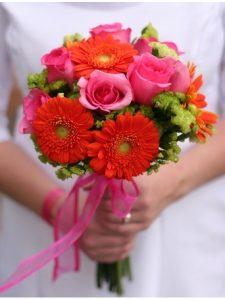 Ket-hoa-cuoi-17-225x300 Kết hoa cưới cầm tay cô dâu