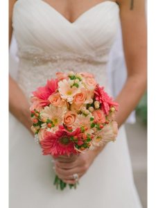 Ket-hoa-cuoi-18-225x300 Kết hoa cưới cầm tay cô dâu