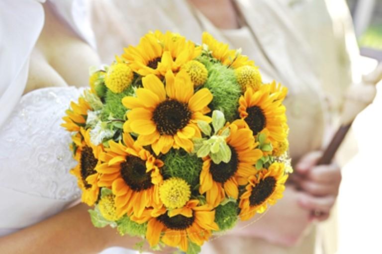 Ket-hoa-cuoi-20 Kết hoa cưới cầm tay cô dâu