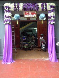 thue-cong-hoa-cuoi-06-225x300 Dịch vụ Trang trí Cổng hoa Cưới Hỏi