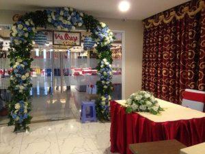 thue-cong-hoa-cuoi-09-300x225 Dịch vụ Trang trí Cổng hoa Cưới Hỏi