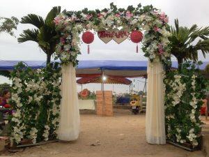 thue-cong-hoa-cuoi-14-300x225 Dịch vụ Trang trí Cổng hoa Cưới Hỏi