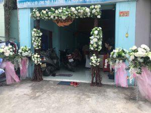 thue-cong-hoa-cuoi-25-300x225 Dịch vụ Trang trí Cổng hoa Cưới Hỏi