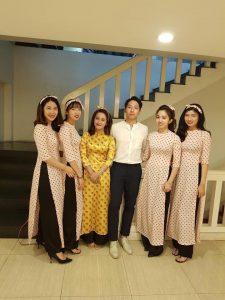 thue-nguoi-bung-qua-thang-10-2018-13-225x300 Cho thuê quần áo, áo dài, váy đầm cưới hỏi