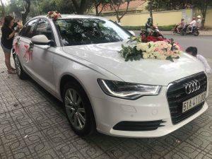 thue-xe-cuoi-thang-12-nam-2018-04-300x225 Chọn xe cưới hợp mệnh chồng
