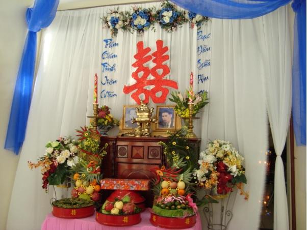 trang-tri-ban-tho-gia-tien Trang trí bàn thờ gia tiên đám cưới đúng cách là như thế nào?